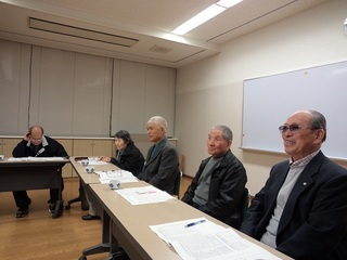 右前が議長の稲田さん、何と90歳.JPG